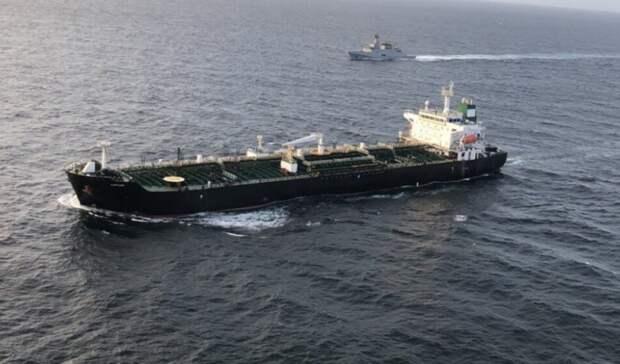 Иранские танкеры под охраной России везут вСирию почти 2млн баррелей нефти