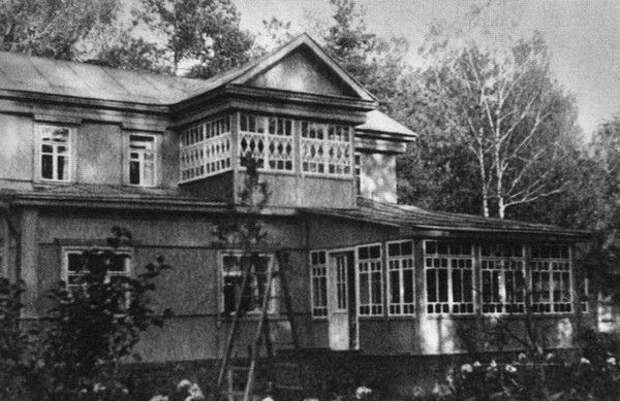 Дача писателя в Тарасовке