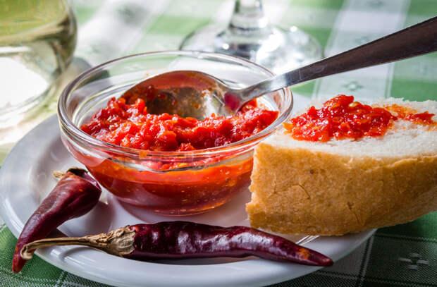 Аджика: делаем шесть настоящих кавказских соусов