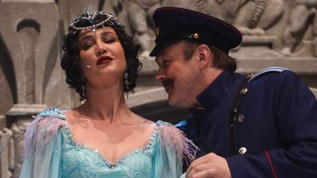 Зрители не увидят Бузову на сцене МХАТа в сентябре