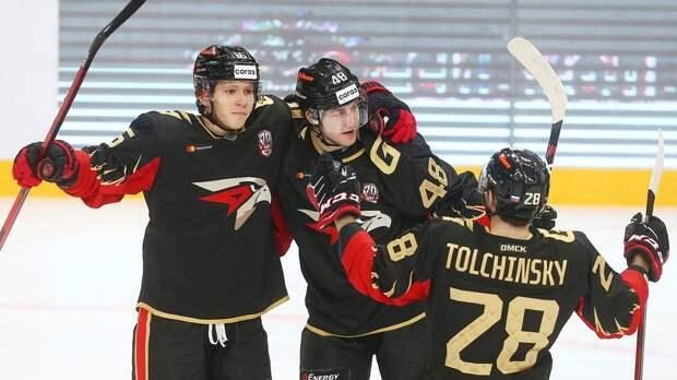 «Авангард» победил «Сибирь» в матче КХЛ