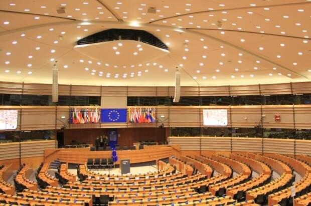 Европарламент призвал исключить Белоруссию из системы SWIFT