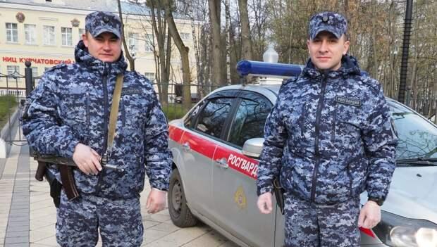 В Щукине росгвардейцы спасли парня с эпилептическим приступом