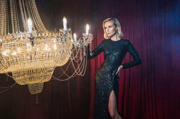 Элегантная сексуальность: Полина Гагарина создала коллекцию дляSelfmade