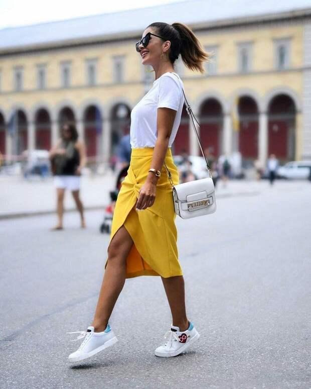 Самые модные оттенки весной 2021: от нежного бежа до солнечно-желтого