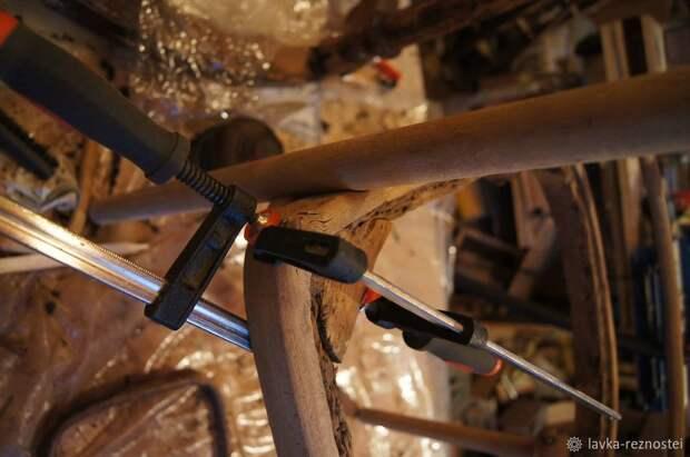 В печь или не в печь? Ремонтируем легендарное старинное кресло «Летучая мышь»