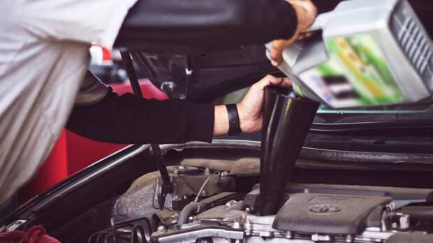 Технический директор Fresh Auto Рязанов напомнил о замене масла в машине перед зимой