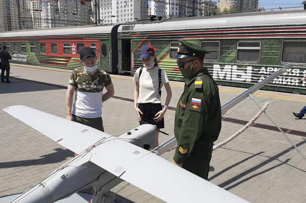 В Волгоград прибыл агитационный поезд «Мы – армия страны! Мы – армия народа!»