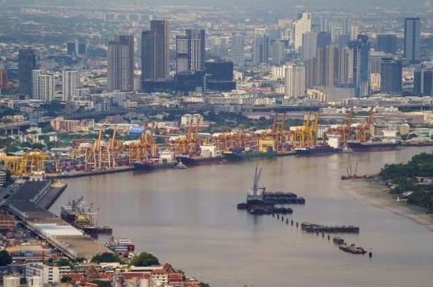 Власти Таиланда продлили режим ЧП из-за коронавируса еще на два месяца