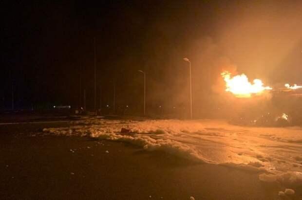 В Подмосковье на АЗС сгорел бензовоз