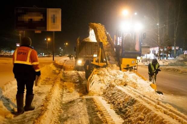 Более 500 тыс кубометров снега вывезли с улиц Ижевска с начала зимнего периода