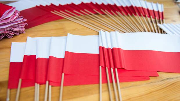 Россия вышлет трех польских дипломатов