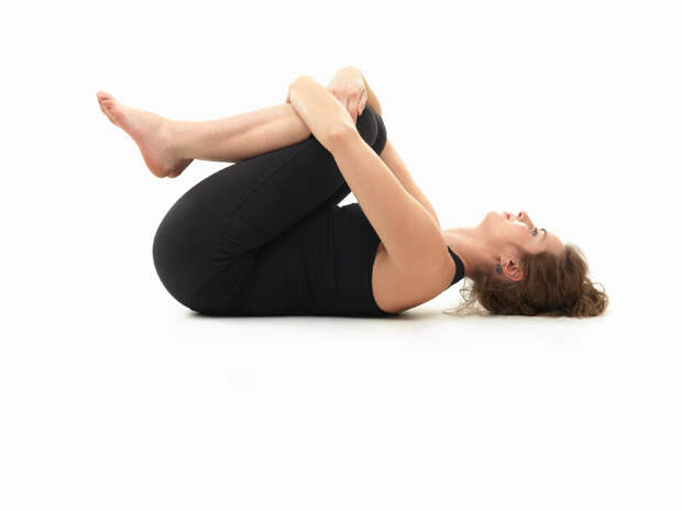 3 упражнения в кровати вечером, чтобы спать крепко. Упражнения для расслабления мышц спины перед сном