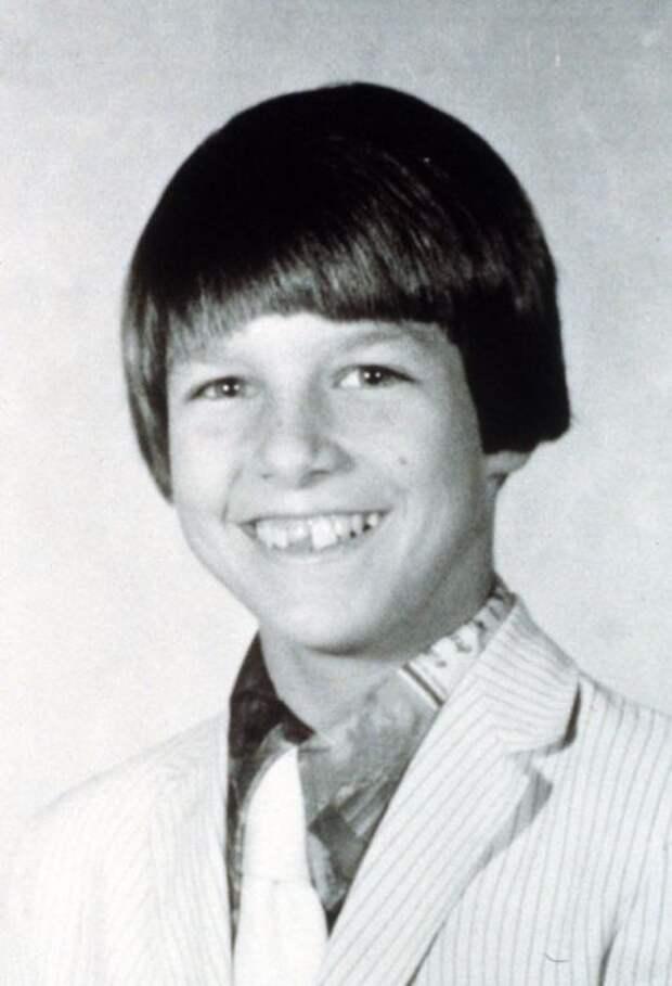 Карьера актера начиналась с драматического кружка, в котором он играл в колледже.