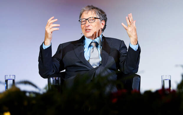 Разоблачение Гейтса: Вакцина России опасна, миллиарды доз выпустят США