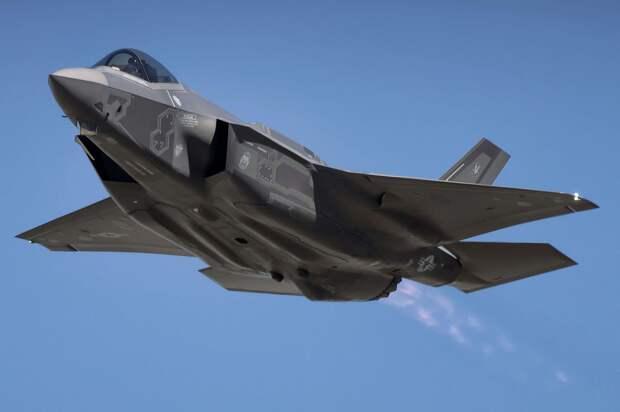 Массовое производство истребителей F-35 переносится на неопределенный срок