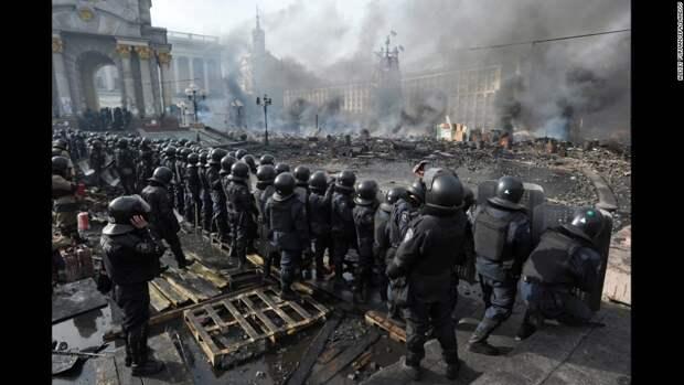Неожиданная правда о перевороте. Спонсоры Майдана хотели видеть войска РФ в Киеве