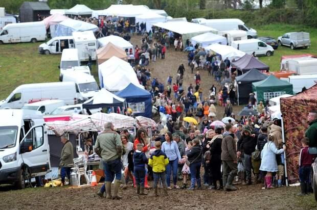 Сотни цыган собрались в британском городке на ежегоднуюконную ярмарку