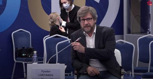 Фёдор Лукьянов провёл сессию ПМЭФ-2021 «Евразийское региональное сотрудничество в постковидную эпоху»