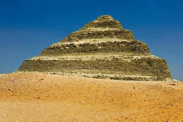 Египетские гробницы в Городе мертвых.