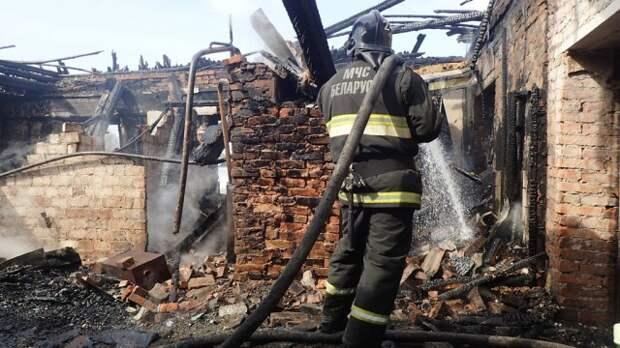 В Бобруйском районе горел дом.