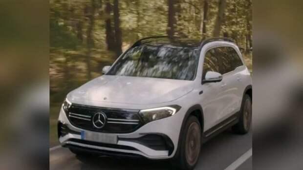 Немецкая компания Mercedes-Benz показала семиместный электрический кроссовер