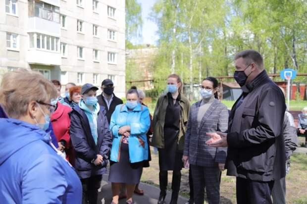 Николай Любимов встретился с активистами ТОС «Самовский»