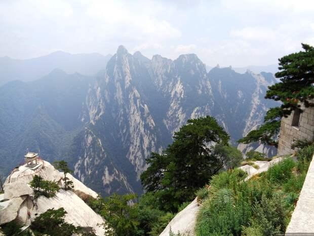 Тропа Хуашань - самое опасное восхождение в мире