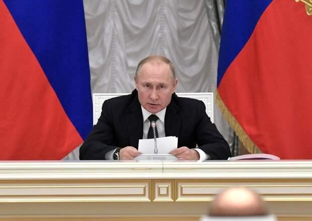 С чистого листа: Путин поддержал обнуление президентских сроков после принятия поправок в Конституцию, если с ним согласится КС