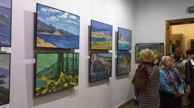Персональная выставка художника Андрея Киргизова представлена в Керчи