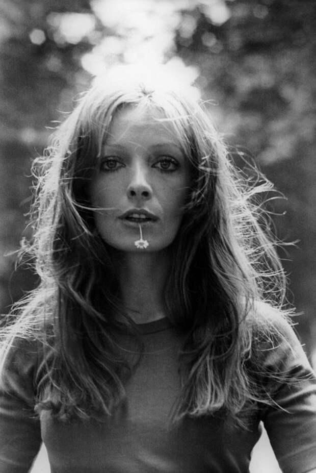 Французская актриса и певица Мари Лафоре.