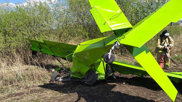 Двое погибли при падении легкомоторного самолета в Татарстане