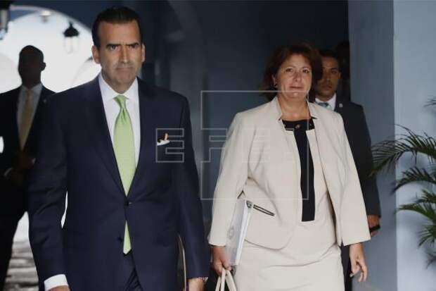 MUNICIPIOS - Natalie Jaresko accede a identificar 44 millones del Fondo de Equiparación.