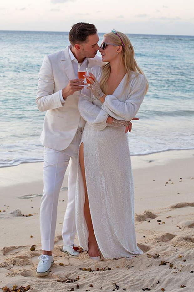 Пэрис Хилтон рассказала, как создавалось ее помолвочное кольцо за 2 миллиона долларов