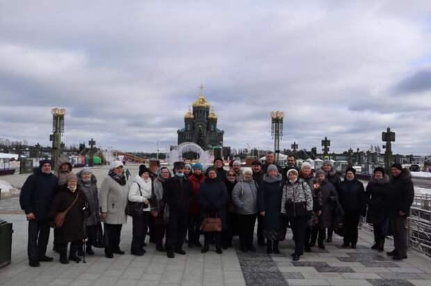 Жители Молжаниновского посетили музейный комплекс Главного храма Вооруженных Сил