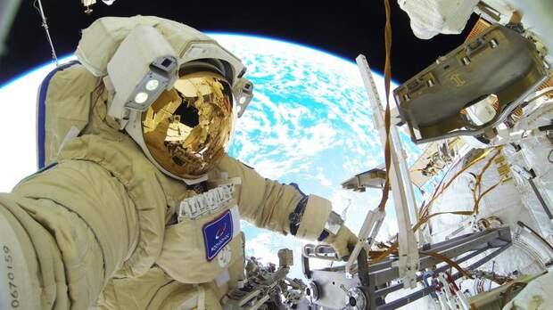 Космонавты передали поздравление с Днём России с МКС – видео