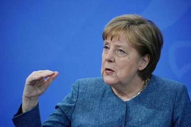 Меркель: нужно прояснить вопрос признания прививок не допущенными в Евросоюз вакцинами