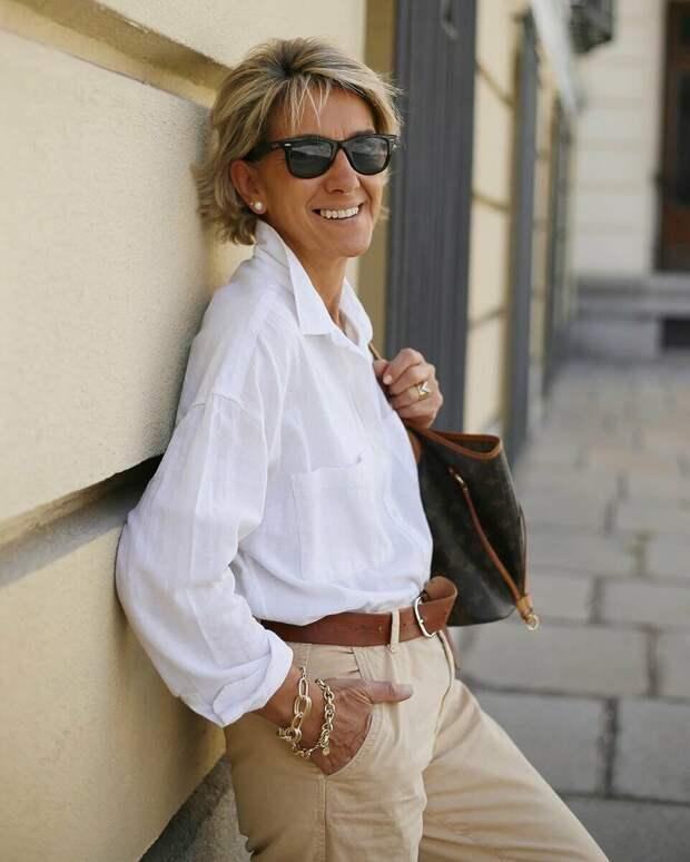 13 образов для женщин 55+ с недорогой рубашкой
