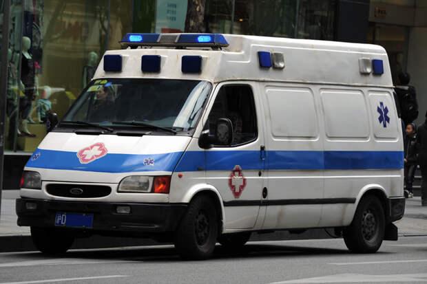 Четверо погибли при наезде автомобиля на толпу в Китае