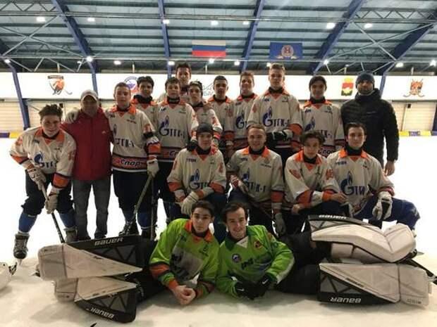 Мурманчане приняли участие в финале юниорского первенства страны по хоккею с мячом