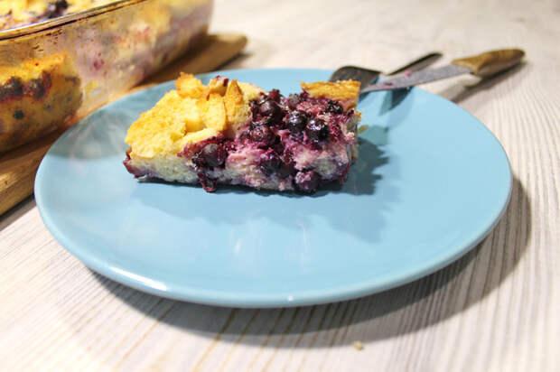 Простая хлебная запеканка с ягодами. Еда, Рецепт, Видео рецепт, Запеканка, Хлебная запеканка, Рецепты с хлебом, Сладкая запеканка, Видео, Длиннопост