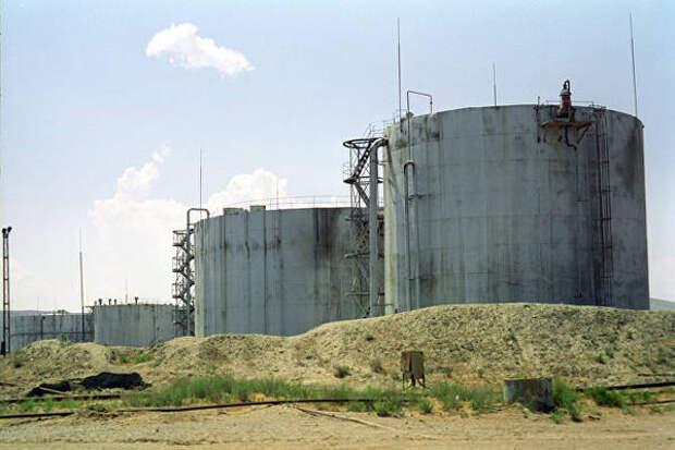 Цены на нефть снизились с 2-летних максимумов