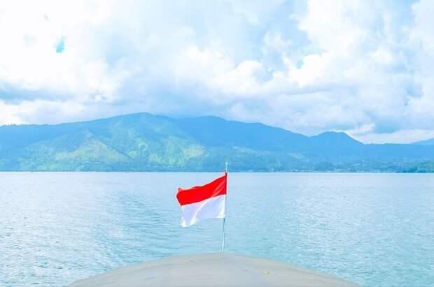 Поисковики обнаружили фрагменты затонувшей индонезийской подлодки
