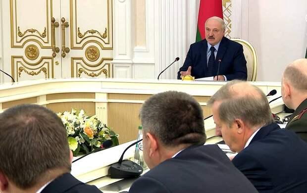 Евросоюз призвал к военному перевороту в Минске