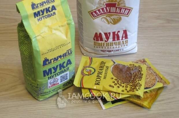 Ингредиенты для индийских лепешек Пудла