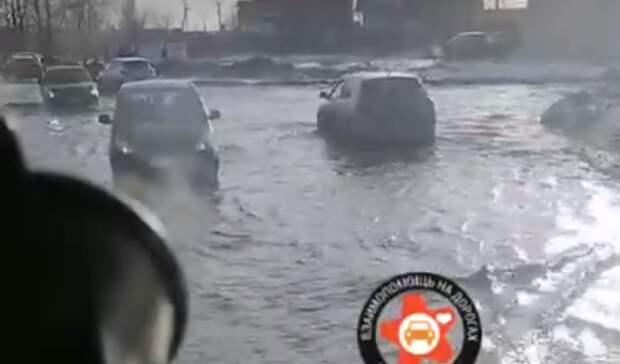 Вреку превратилась улица Алтайская вНижнем Тагиле из-за забившейся ливневки