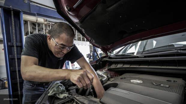 Автоэксперт объяснил, о чем сигнализирует чрезмерно большой расход автомобильного масла
