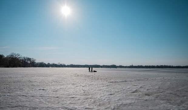 «Родненькие, помогите»: жители Карелии спасли рыбака изСанкт-Петербурга отсмерти
