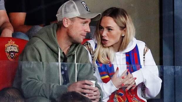 """Футболистка Коваленко высмеяла Глушакова, отвечая на вопрос, кто из них сильнее: """"Он же деревяшка"""""""