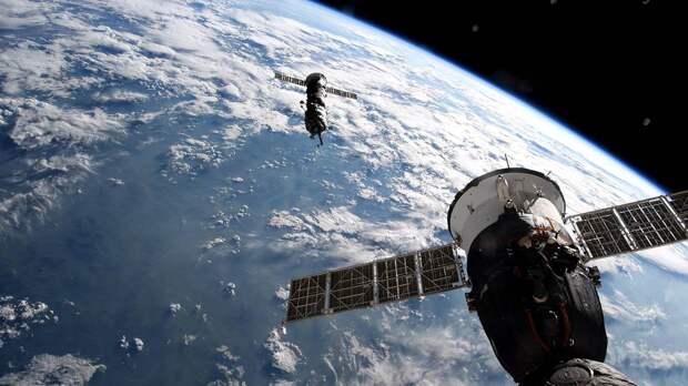 Космический «Киноэкипаж» вернется на Землю 17 октября